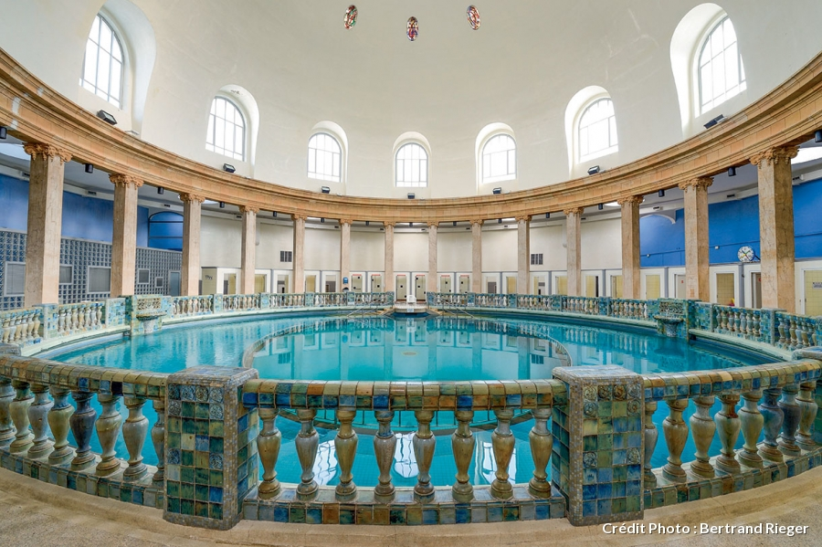 Le top 10 des plus belles places au monde la place for Piscine st meen le grand