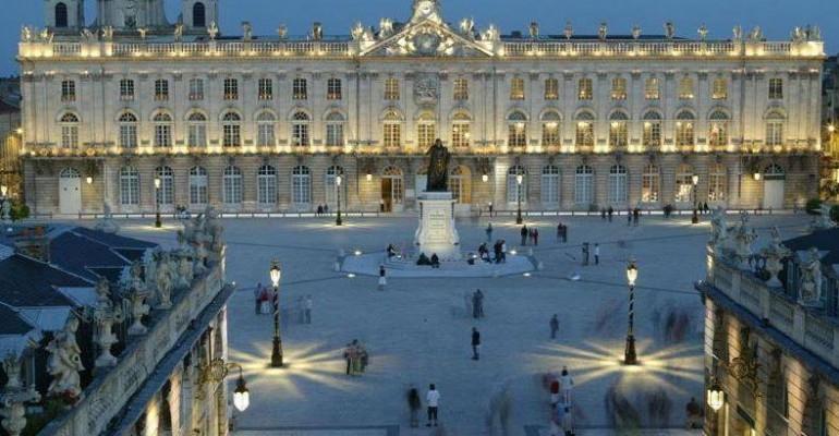 le top 10 des plus belles places au monde la place stanislas 4 me le lorrain. Black Bedroom Furniture Sets. Home Design Ideas