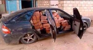 voiture a 100 briques