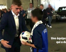 Griezmann offre le ballon du match France-Irlande au fils du policier assassiné à Magnanville