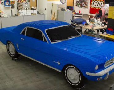 Une Ford Mustang de taille réelle fabriquée en… Lego