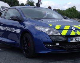 Contrôlé pour excès de vitesse, les gendarmes le suivent pour aller sauver son amie suicidaire