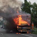 A31 fermée : un camion rempli de papier toilette en feu près de Metz