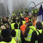 Golbey : Délogés ce matin par la police, les gilets jaunes reconstruisent un abri