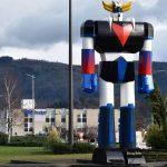 En Auvergne, un Goldorak géant construit sur un rond-point