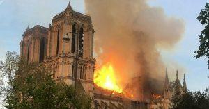 cathedrale-notre-dame-en-feu