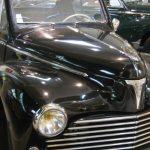 Yvonne, 95 ans, conduit la même Peugeot 203 depuis 1954