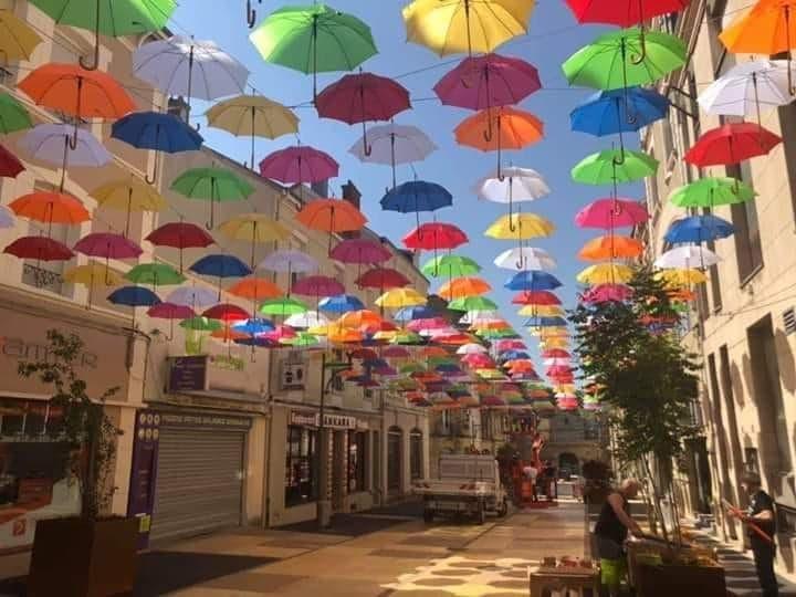 ciel-parapluies-longwy-meurthe-et-moselle-54