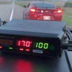 """Intercepté par la police à 170 km/h car il avait """"très envie de faire caca"""""""