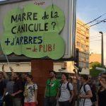 Des militants anti-pub recouvrent les panneaux publicitaires de Nancy