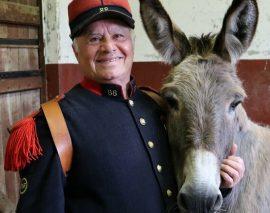 Il marche 3.600 km avec son âne pour rendre hommage aux Poilus