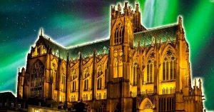 aurore-boreale-cathedrale-saint-etienne-metz-2019