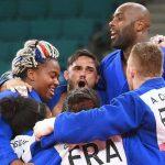 L'équipe de France de judo, menée par Teddy Riner, remporte la médaille d'or face au Japon